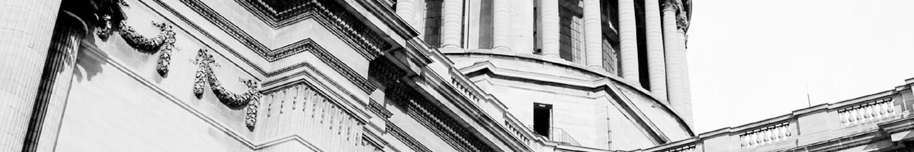 Laurent Frölich avocat assistance marchés publics et  droit avocat délégation de service public et  droit de la fonction publique, Paris et Lille