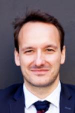 Erwan SELLIER, spécialiste en Marchés Publics et droit de la fonction publique à Paris et Lille